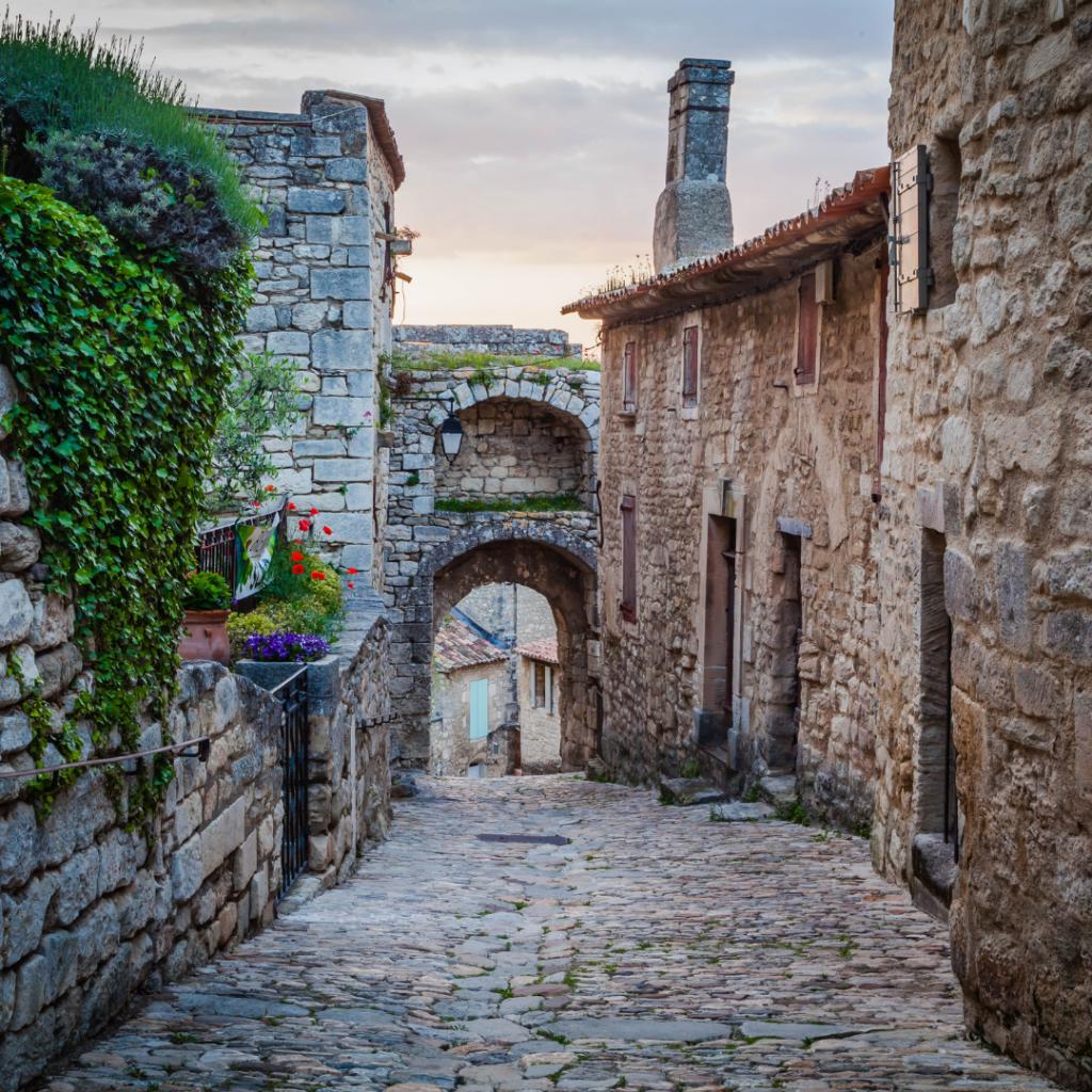 Le joli village de Lacoste où Pierre Cardin habitait.